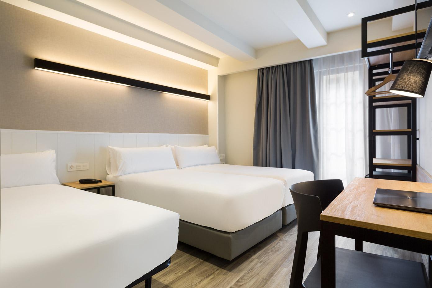 hotel_acta_bcn40_triple_03